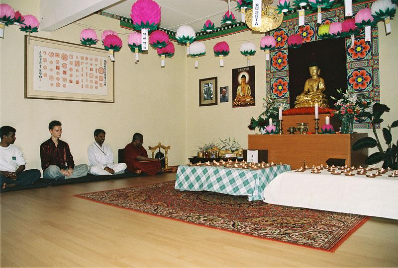 shrilank150505_03