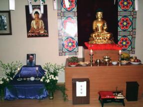 Церемония поминовения Вон Мён Сынима