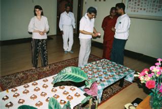 shrilank150505_01